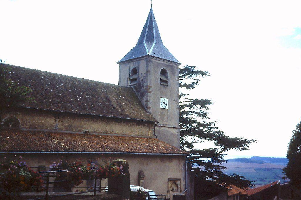 GR5 door Lotharingen-kerk van Amance